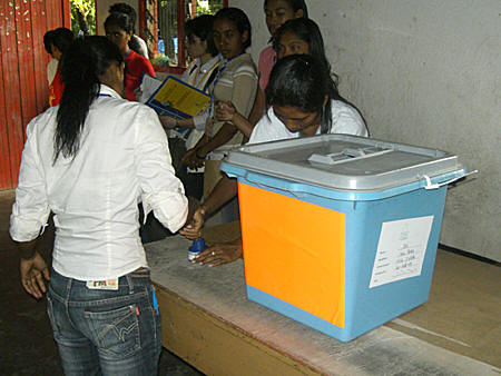 East Timorese votes on April 9, 2007.