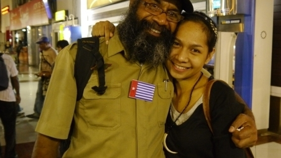 Papua Political Prisioner Filep Karma with his daughter Audryne